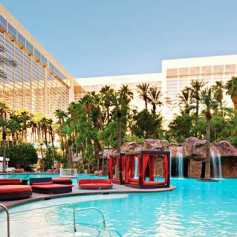 FLAMINGO-LAS-VEGAS-POOL-PISCINE